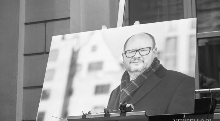 Światełko dla Pawła Adamowicza w Lublinie