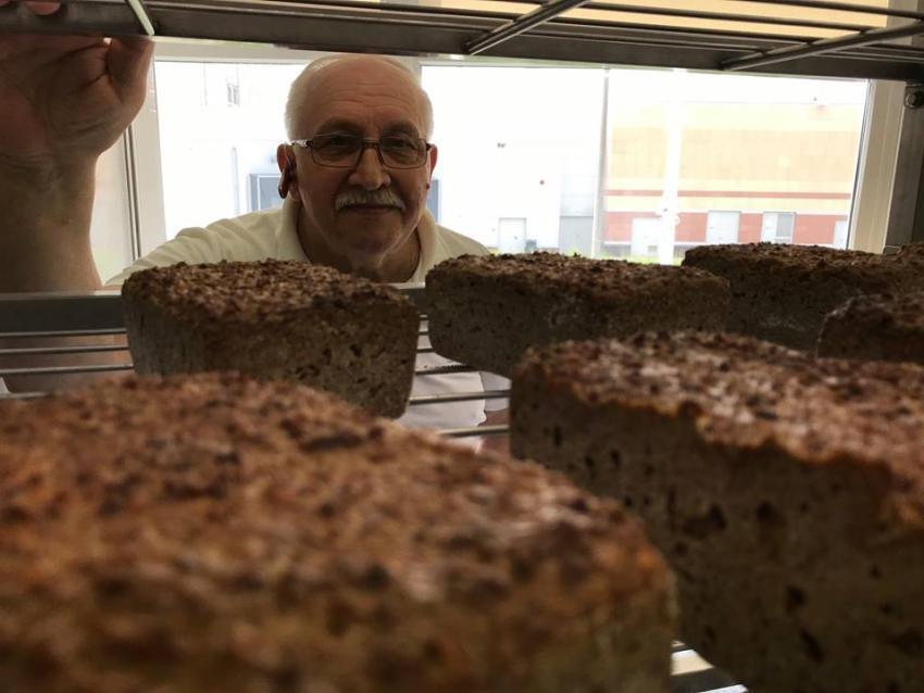 Prawdziwy chleb polski – smak, którego niewielu z nas miało okazję spróbować [fot. Czesław Meus]