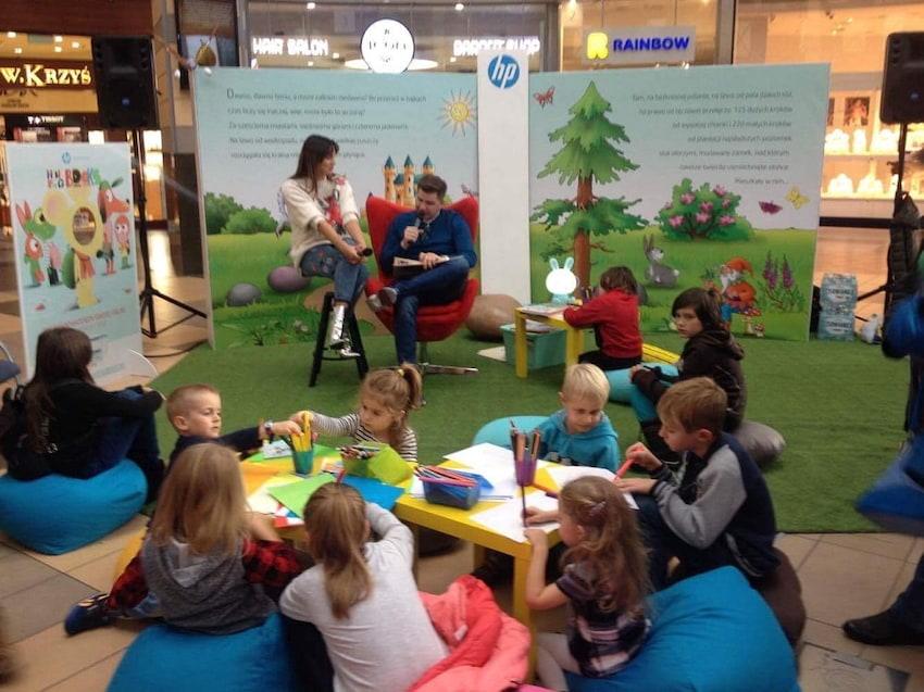 Znani dziennikarze i prezenterzy czytają dzieciom – akcja Mini Big Books od HP