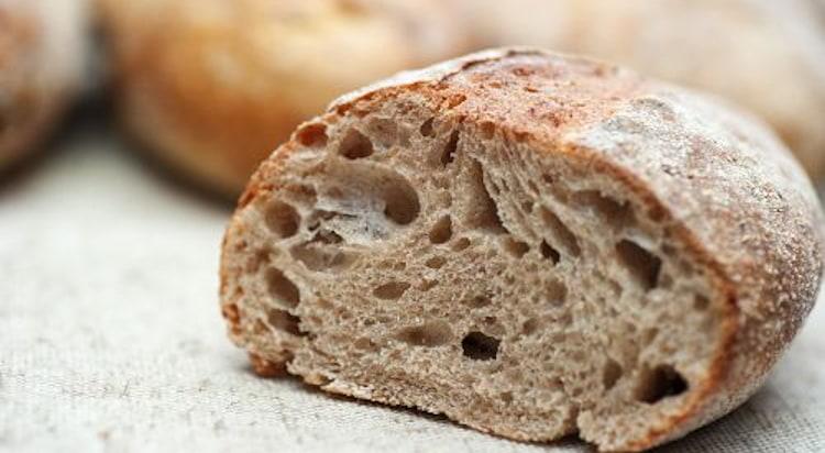 Niezbędny składnik w każdej kuchni – Dolnośląska Mąka Tortowa z Młyna Jaczkowice
