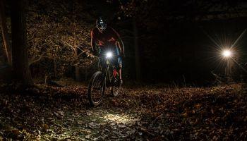 Oświetlenie rowerowe – o czym trzeba wiedzieć, by odpowiednio przygotować rower? [fot. materiały prasowe]