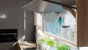 Jak urządzić kuchnię w mieszkaniu na wynajem? Postaw na uniwersalność! [fot. materiały prasowe / Häfele]