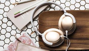 Wspaniała lekkość dźwięku - Philips przedstawia nowe słuchawki Flite / materiał prasowy