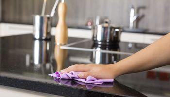 Skuteczne sprzątanie bez chemii – poznaj triki na ekologiczne porządki
