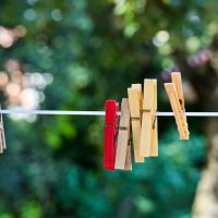 Jak suszyć pranie? Oto wady i zalety dostępnych metod!