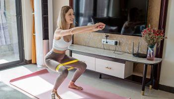 Gumy do ćwiczeń – dlaczego warto je stosować?