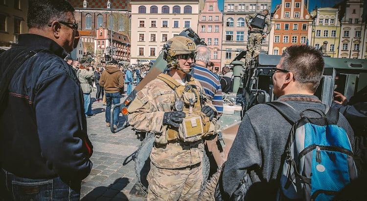 Piknik wojsk NATO we Wrocławiu