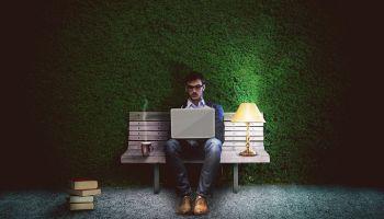 Chcesz zostać informatykiem? Wybór uczelni ma znaczenie! [fot. Pixabay]