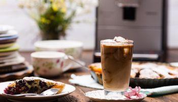 Frappuccino – przepis na kokosowe wytchnienie w upalne dni [fot. materiały prasowe / Nivona]