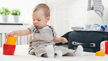 Chusteczki nawilżane dla dzieci Kindii Pure – niezastąpiony partner w podróży [fot. Adobe Stock]