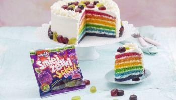 Przepis na tęczowy tort dla dzieci! [fot. materiały prasowe Quality Public Relations]