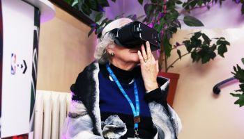 Wrocławscy seniorzy żyją pełną piersią i nie boją się wirtualnego świata