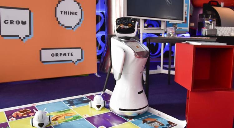 Masters&Robots: David Hanson, Anahita Moghaddam