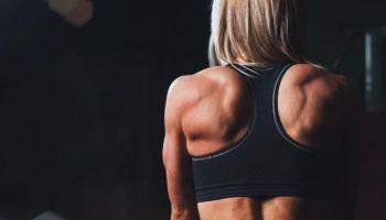 Zajęcia, które warto wybrać podczas treningu, aby mieć płaski brzuch