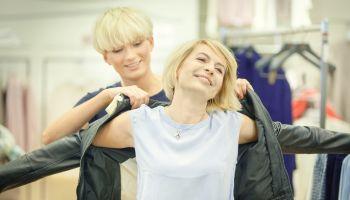 Swoboda i Oversize – czyli jak skompletować garderobę na tegoroczną wiosnę i lato? [fot. materiały PR Expert]