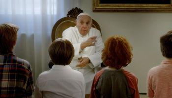 """""""Tam, gdzie mieszka Bóg"""" – niezwykły film, w którym wystąpiła pewna bardzo znana osobistość! [fot. materiały prasowe]"""