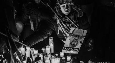 Światełko dla Pawła Adamowicza w Krakowie