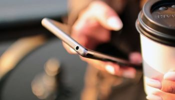 E-sklepy coraz rzadziej inwestują w dedykowane aplikacje mobilne / fot. pexels.com