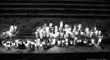 Światełko dla Pawła Adamowicza w Poznaniu