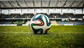 VAR – The IFAB oficjalnie wprowadza powtórki wideo do przepisów gry w piłkę nożną! [fot. Pixabay]
