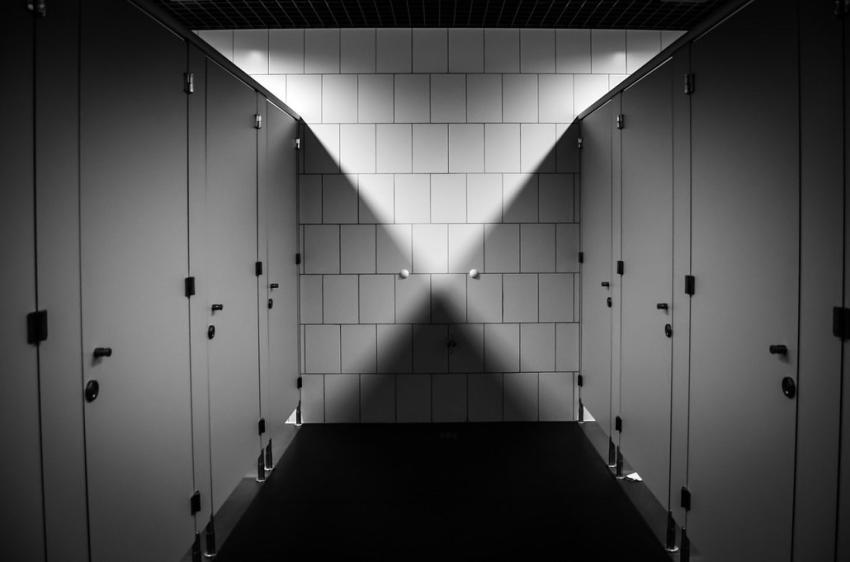 Nietrzymanie moczu – przyczyny, leczenie i profilaktyka wstydliwego problemu [fot. Pixabay]
