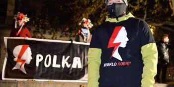 Strajk Kobiet: Wszyscy jesteśmy kobietami - manifa w Poznaniu