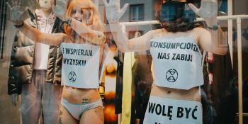 Extinction Rebellion - nagi protest we Wrocławiu