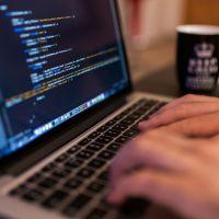 Odpowiedni język programowania to podstawa sprawnej realizacji zlecenia