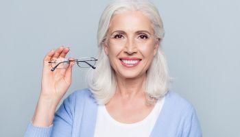 Bezpieczna korekcja wady wzroku – oto metoda SMILE! [Adobe Stock]