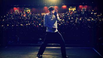 3 powody, dlaczego warto pójść na warsztaty teatralne [fot. unsplash.com - autor: Fatih Kılıç]