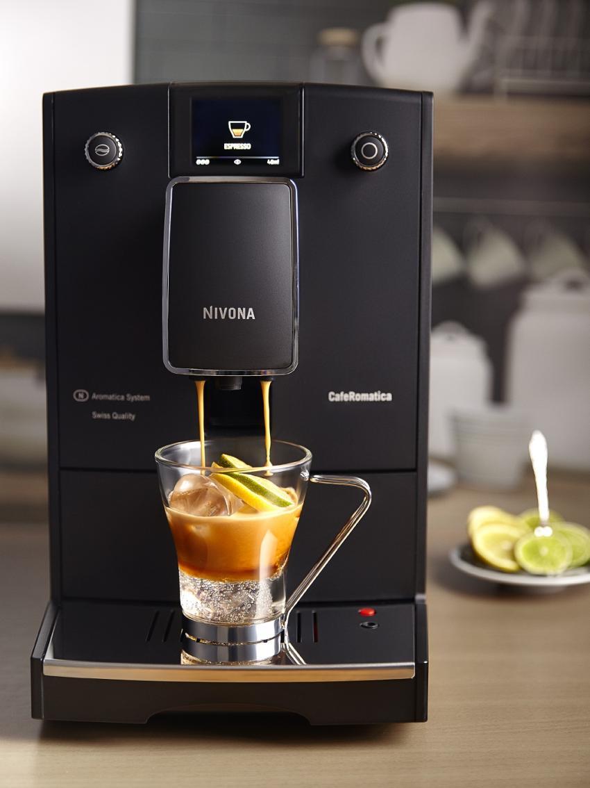 Orzeźwiająca kawa na upalne dni – przepis na Tonicpresso [fot. materiały prasowe / Nivona]