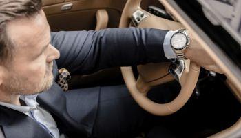 Wielbiciel i znawca motoryzacji Adam Kornacki ambasadorem zegarków EDIFICE