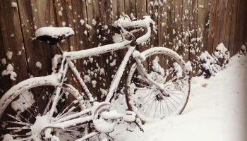Dbanie o rower zimą