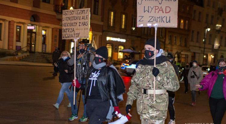 Strajk Kobiet:  Strajk Kobiet: Weekendowy spacer po Warszawie
