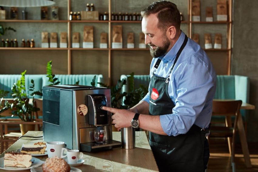 Ekspresy do kawy Nivona – kawa jak od baristy w naszym domu! [fot. materiały prasowe PR Hub/Nivona]