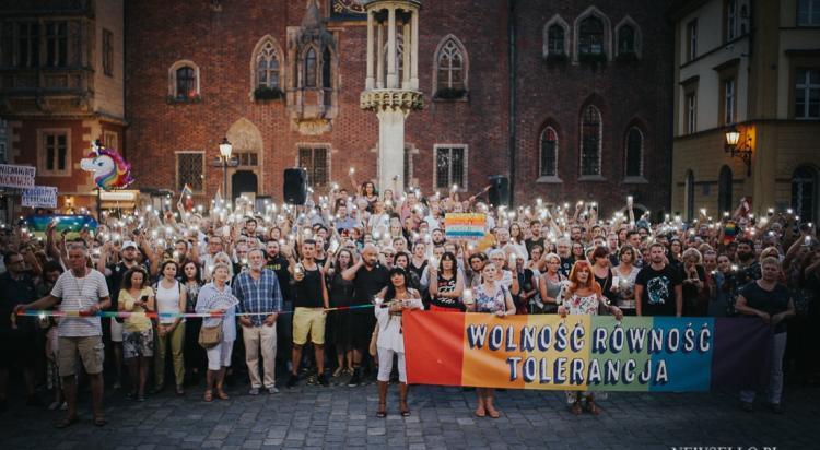 Łańcuch Światła: Solidarni z Białymstokiem