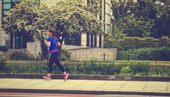 Dlaczego warto biegać i jak uniknąć kontuzji?