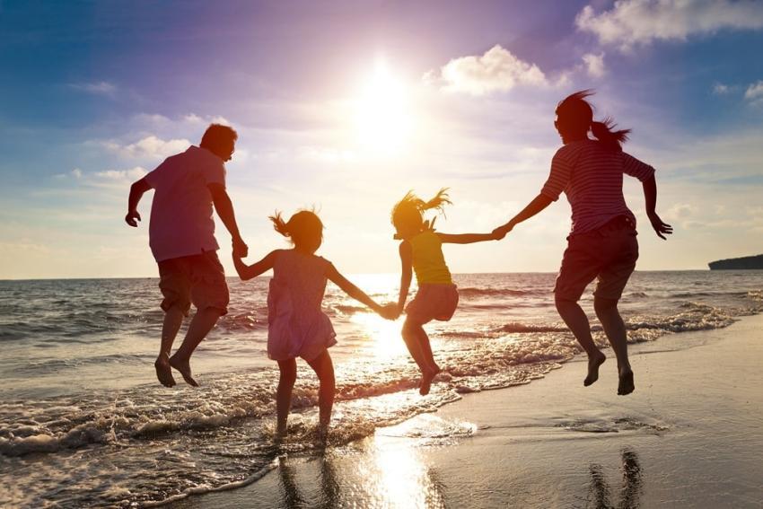 Choroby, które mogą zepsuć Ci urlop – dowiedz się, jak im zapobiec! [fot. Shutterstock]