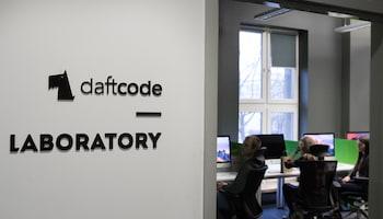 Jak rozwijać karierę w IT? Daftcode dzieli się wiedzą, szkoląc przyszłych pracowników startupów
