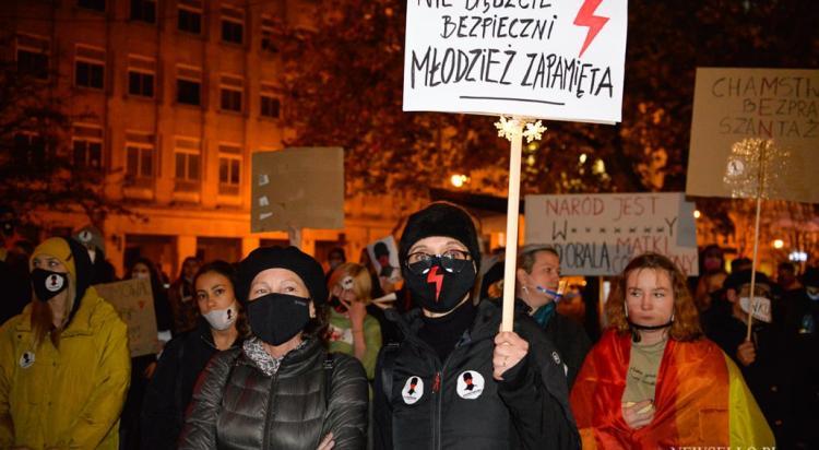 Strajk Kobiet: Łapy precz od Nauczycieli - manifestacja w Poznaniu