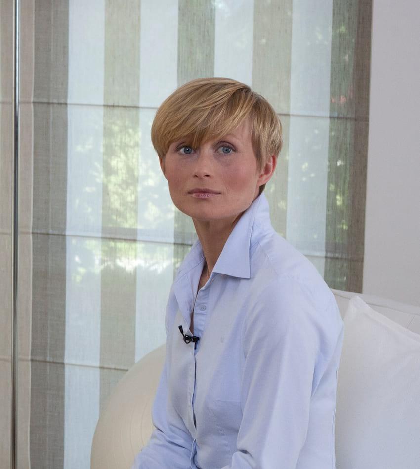 dr n. hum. Justyna Korzeniewska