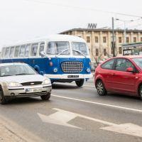 Kultowe autobusy PRL-u na ulicach Warszawy! O co chodzi?