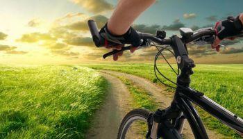 Światło rowerowe latem - co należy wiedzieć?