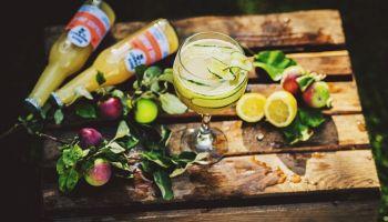 Drinki na lato – przepisy bezalkoholowe z Musującym Jabłkiem!