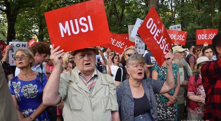Łańcuch Światła w Warszawie: Wolna Prokuratura, Wolne Sądy