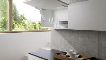 Podnośniki do frontów meblowych – prosty sposób na poprawę ergonomii i komfortu użytkowania [fot. materiały prasowe]