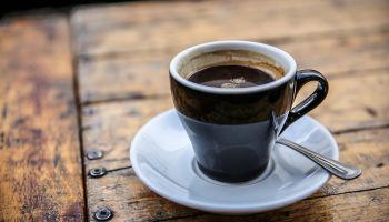 Sprawdź, jakie rodzaje kawy przygotujesz w ekspresie na kapsułki!