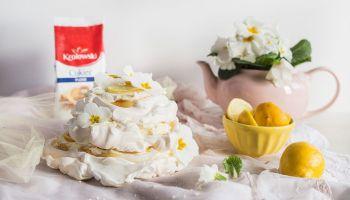 Przepis na bezglutenowy, cytrynowy tort bezowy