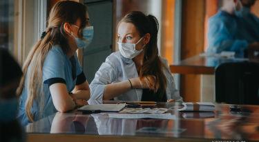 Szczepienia studentów i kadry naukowej